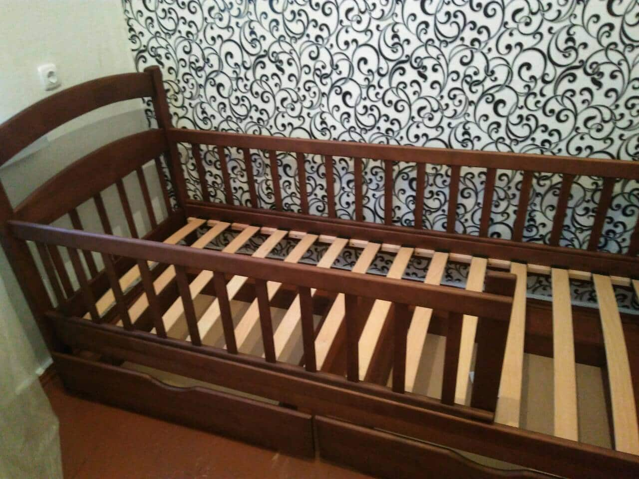 Односпальная кровать Карина Люкс с бортиком